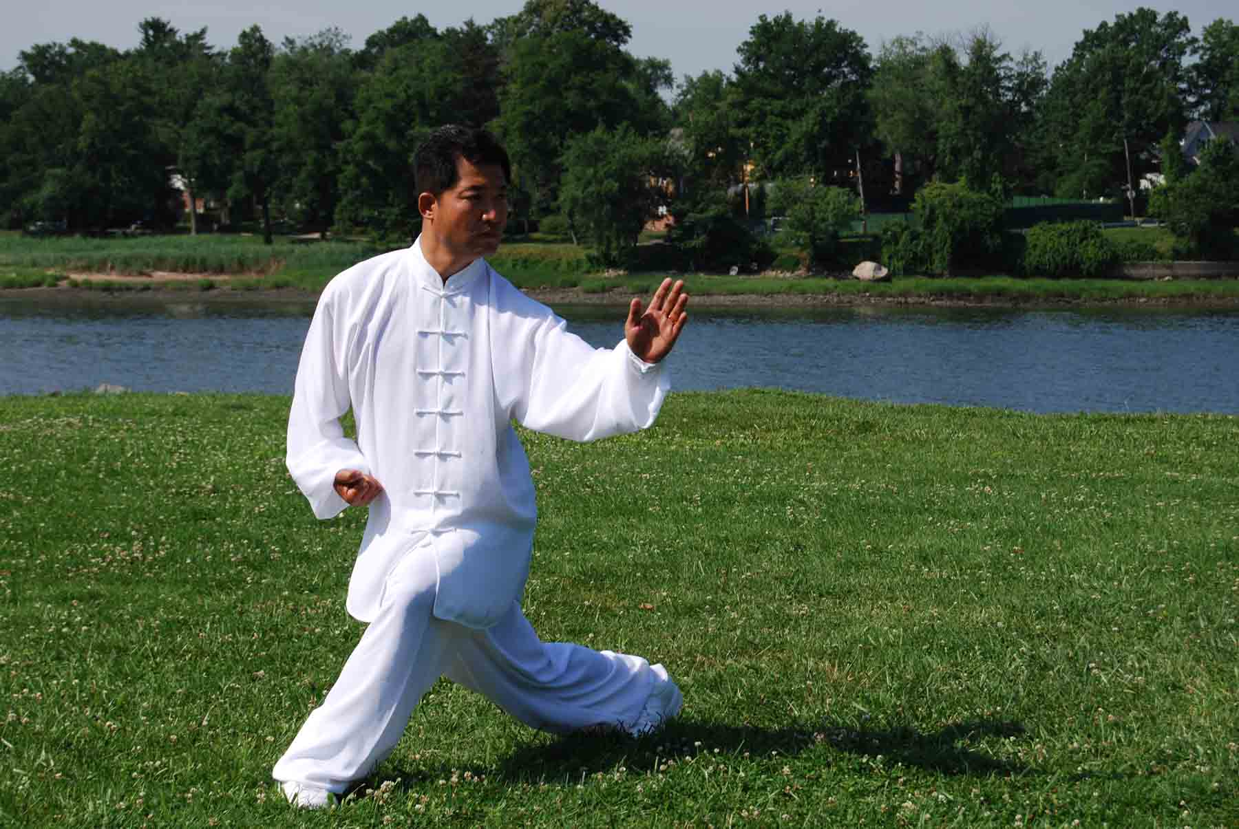 difference between yoga and tai chi | yoga vs tai chi
